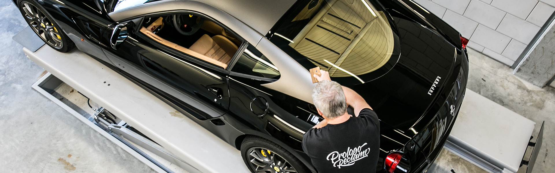 <p>Car Wrapping</p>